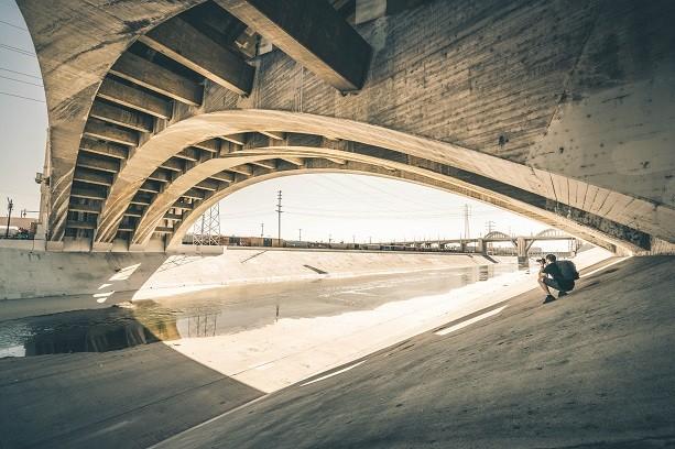 Duh ispod mosta