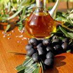 Crne maslinke i maslinovo ulje