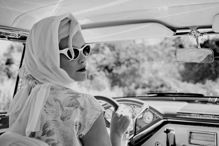 Žena vozač