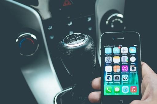 telefoniranje u vožnji