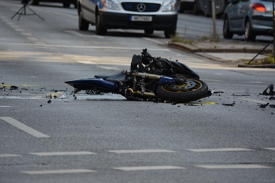 Oboren motociklista