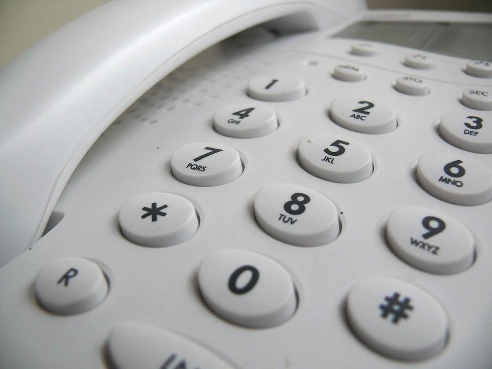 Fiksni telefon