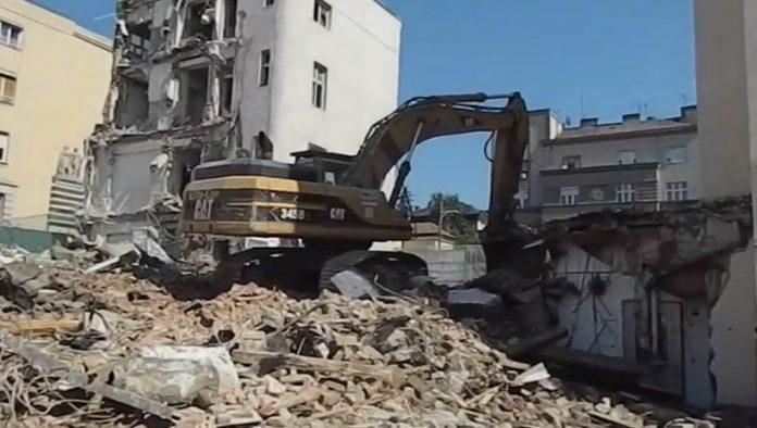 rušenje američke ambasade