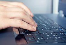Kompjuter Laptop