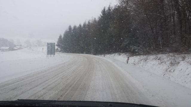 Sneg na putevima